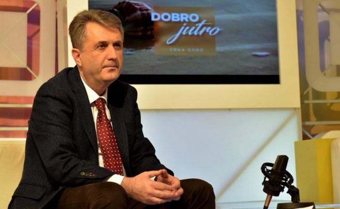 Mevludin Nuhodžić ne živi ovdje: Ljudi ginu, a ministar zadovoljan
