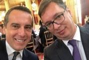 Sastanak sa predsjednikom Francuske: Vučićev selfi u Jelisejskoj palati