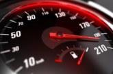 Tri mladića kažnjena zbog brze vožnje