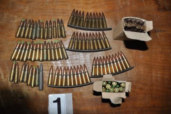 Iza brave devet osoba (FOTO): Uhapšena grupa koja je planirala otmice, bacanje eksploziva i paljenje vozila