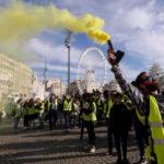 """Francuska u krizi: """"Žuti prsluci"""" uzdrmali Makrona"""