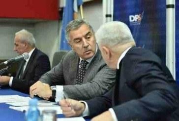 Đukanović pojačava svoj kabinet: Odanim partijskim vojnicima preuzima sve državne funkcije!