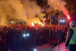 Mandić na protestu: Pozivamo opoziciju da zajedno srušimo Vladu Duška Markovića!