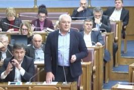SDT nastavlja progon DF-a: Mandića pozvali na saslušanje zbog govora u Skupštini!