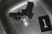 U Nikšiću: Dva lica uhapšena zbog ilegalnog pištolja