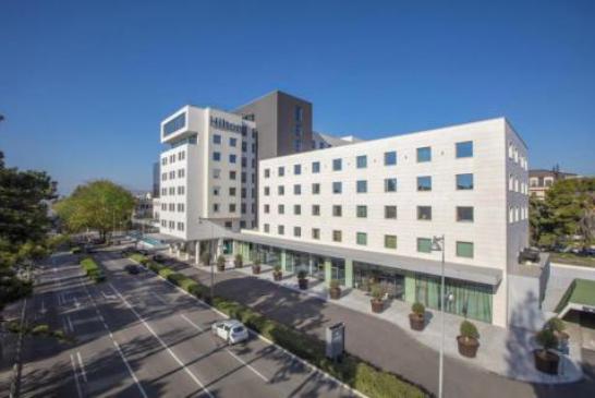 "Gost ""Hiltona"" aktivirao protivpožarni alarm, pa evakuisali hotel"