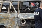 Tri osobe privedene u Baru: Uhapšeni zbog paljenja kombija