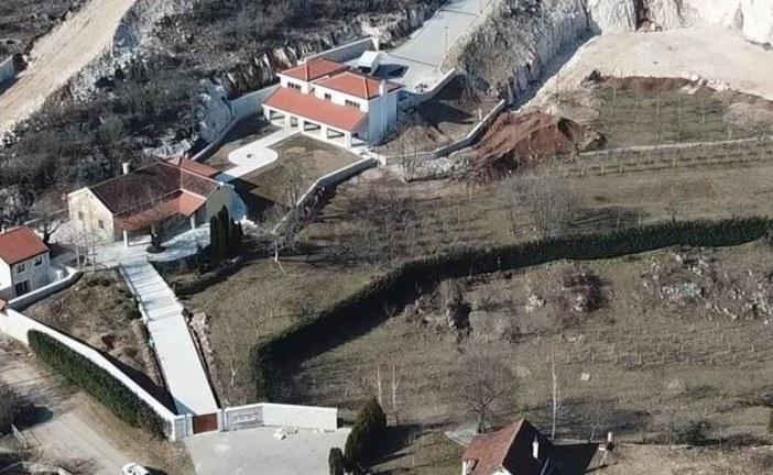MANS: ASK mora kazniti Đukanovića zbog neprijavljivanja stečene imovine