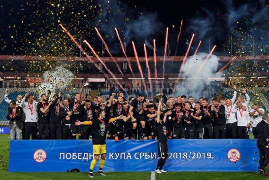 Od propale sezone do trofeja nasred Marakane: Partizan uzeo kup!