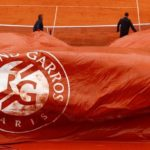 Kiša i vjetar prekinuli Novakovo mučenje