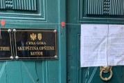 Jokić i Perović zapečatili prostorije SO Kotor