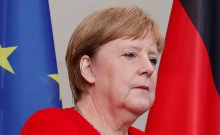 Merkel: Tamni oblaci su se nadvili nad dijalogom Beograda i Prištine