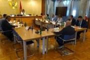 DF napustio sjednicu Odbora: Glasovima DPS-a izabrani poslanici Demokrata!