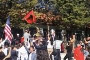 Režim ni da zucne: Država ćuti dok se vijore albanske i američke zastave u Zatrijepču!