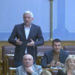 """Incident u Skupštini, prekinuta sjednica: """"Korumpirane kreature iz Tužilaštva hoće da hapse DF, pružićemo otpor""""! (VIDEO)"""