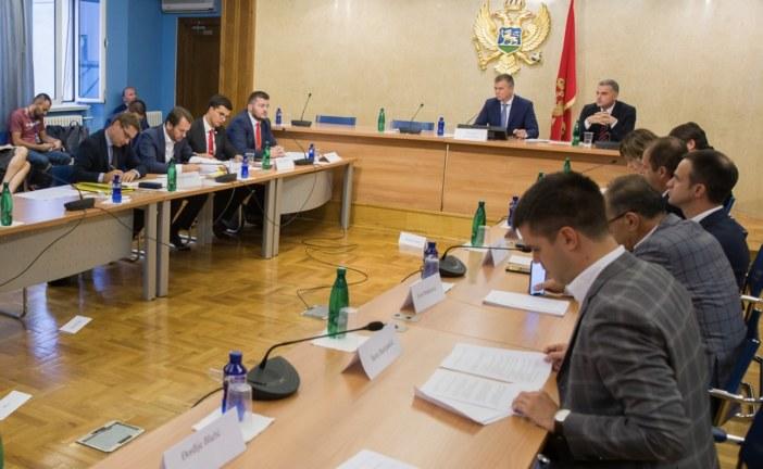 Borba saznaje: Raško Konjević napustio sjednicu Odbora, Demokrate ostale da se dogovaraju sa DPS-om!
