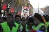 """Francuska drugi dan """"na nogama"""": Štrajk dok Makron ne odustane od penzione reforme"""