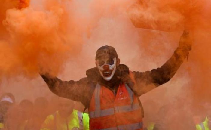 Pola miliona ljudi na ulicama, Francuska paralisana