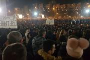 """Narodna volja obasjala Podgoricu: """"Ne damo svetinje"""", """"Kosovo je Srbija""""!"""
