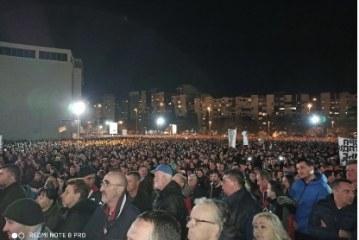 Preko 250.000 građana u litijama: Crna Gora sjaji Božijom svjetlošću!