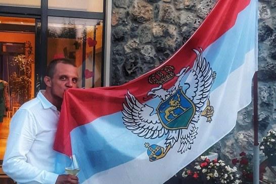 Iz Montenegra s ljubavlju: Licemjeri, pozovite funkcionere DPS-a da ne ljetuju na Zlatiboru, Majamiju i Milanu, ostavite narod na miru!