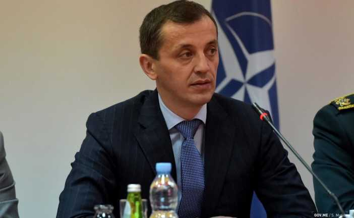 Bošković optužuje bez dokaza: Pod plaštom ikona i svetaca se pokušava sprovesti scenario iz 2016.