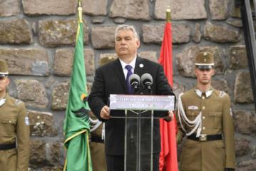 Orban otkrio spomenik na kojem piše da Rijeka pripada Mađarskoj