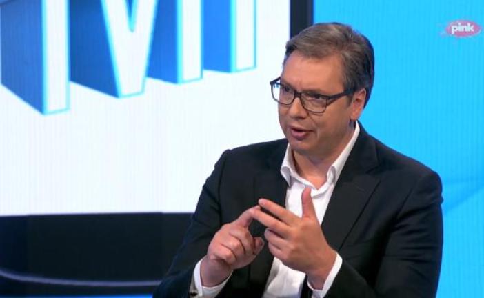 Vučić: Garantujem, nećemo smanjivati plate i penzije!