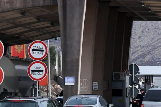 Turista iz Njemačke nije dao novac za prelazak granice, podnijete krivične prijave zbog nepostupanja po mjerama NKT