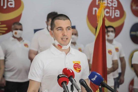 Bečić: Premijer Marković je blefer, prepustio građane stihiji ekonomskog cunamija